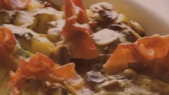 Как да сготвим пълнени картофи с гъби?