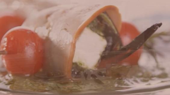 Как да сготвим розмаринови шишчета с прашка шунка?