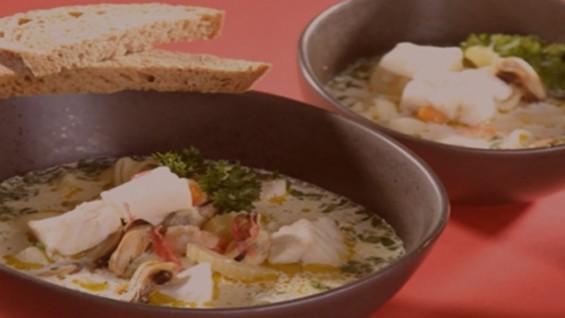 Как да сготвим супа с риба и скариди?